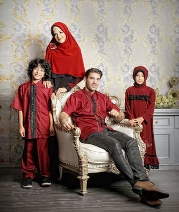 sarimbit keluarga  muslim azkasyah 21 maroon